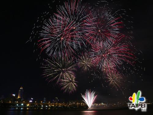 105 Dadaocheng Fireworks 02