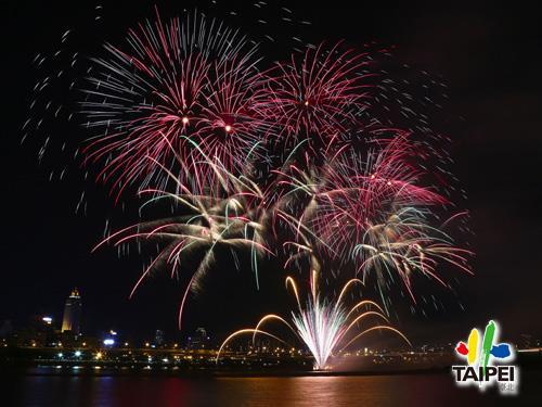 105 Dadaocheng Fireworks 03