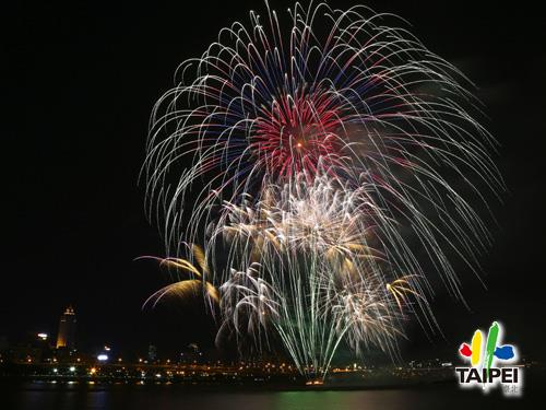 105 Dadaocheng Fireworks 04