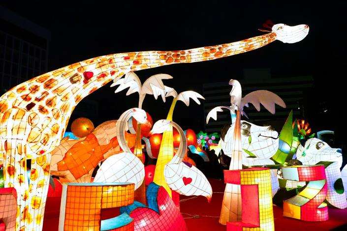Taipei Festival of Lights _ Zhongshan Hall Light District Student Works
