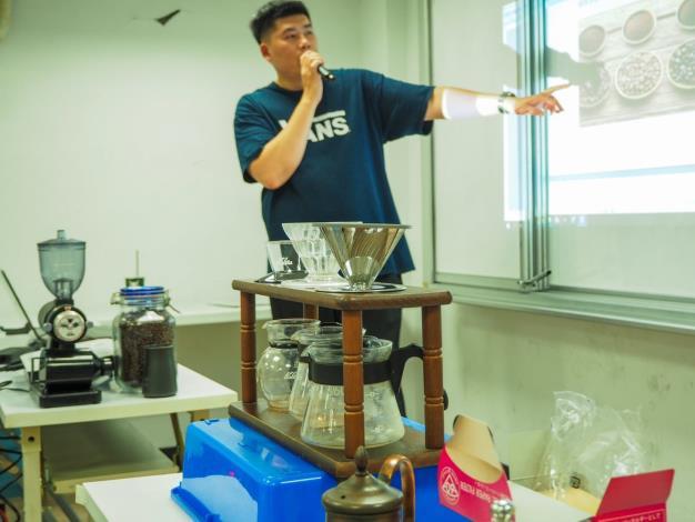 指導老師咖啡創業體驗課程教學