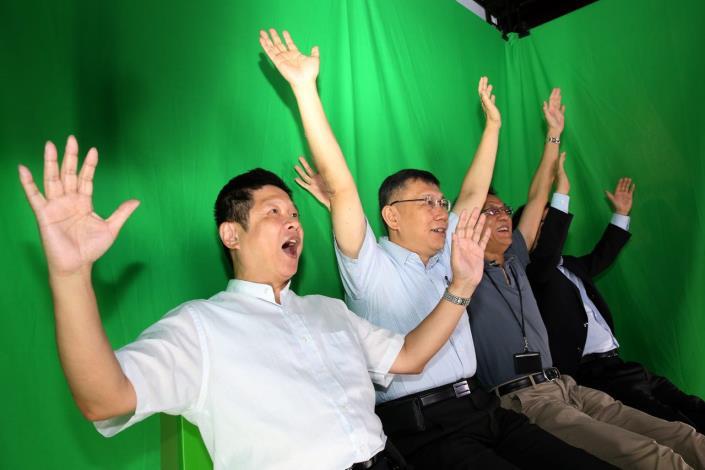 出席企業參訪暨數位產業升級論壇 柯文哲說明臺北市成功刺激產業活絡的經驗