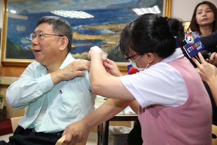 公費流感疫苗10月15日開打 柯文哲:有打有保佑,籲符合接種資格民眾儘速施打