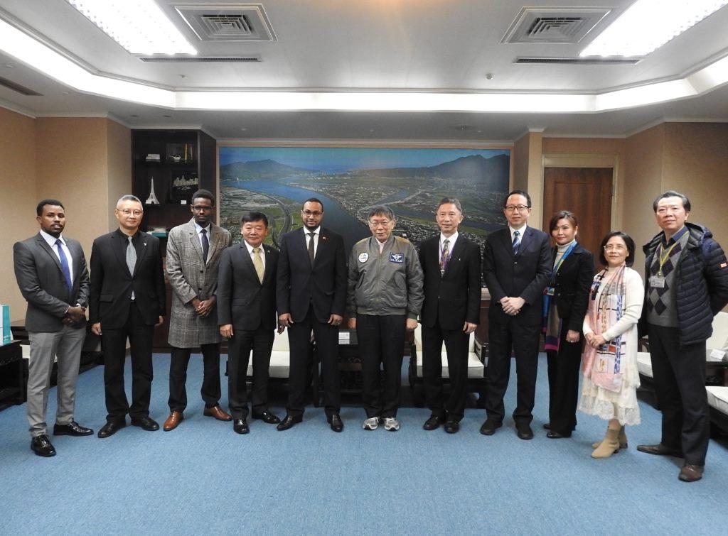 1100108_索馬利蘭駐臺代表穆姆德一行拜會柯市長