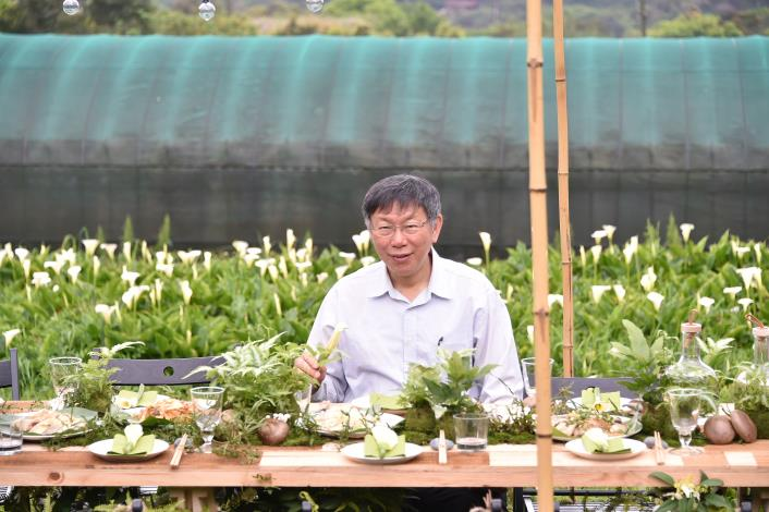 Mayor Ko opens the Calla Lily Festival bazaar