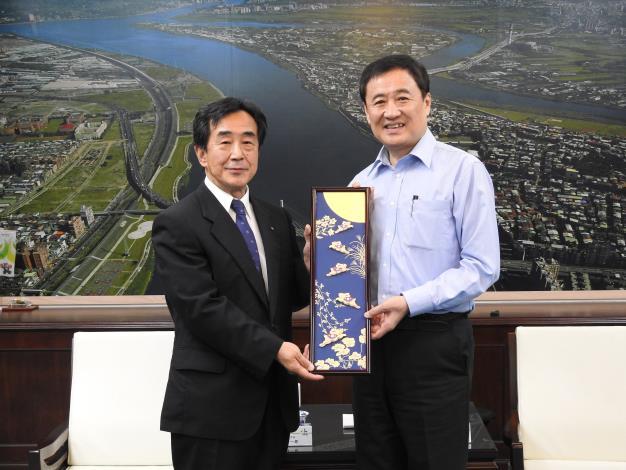 20181019_Deputy_Mayor%E3%80%80Shinichiro_Umeoka_of_Matsuyama_City_pays_a_courtesy_call_on_Deputy_Mayor_Chen