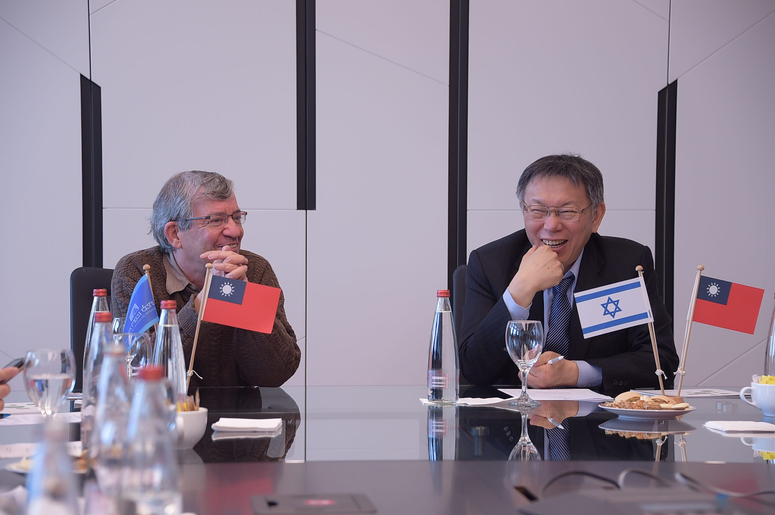 1080226_Mayor Ko visiting the Weizmann Institute of Science.