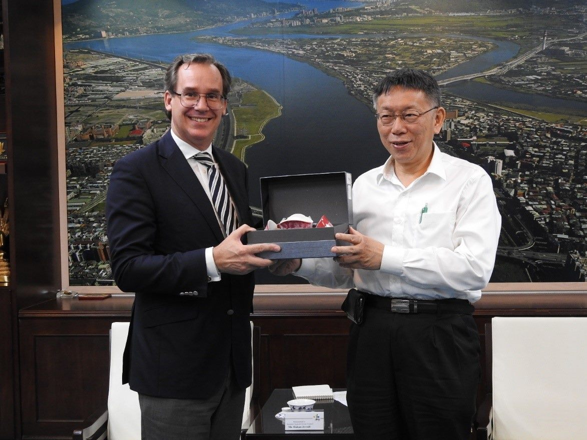 1081126_Håkan Jevrell, representative of the Swedish Trade and Invest Council in Taiwan, visited Mayor Ko