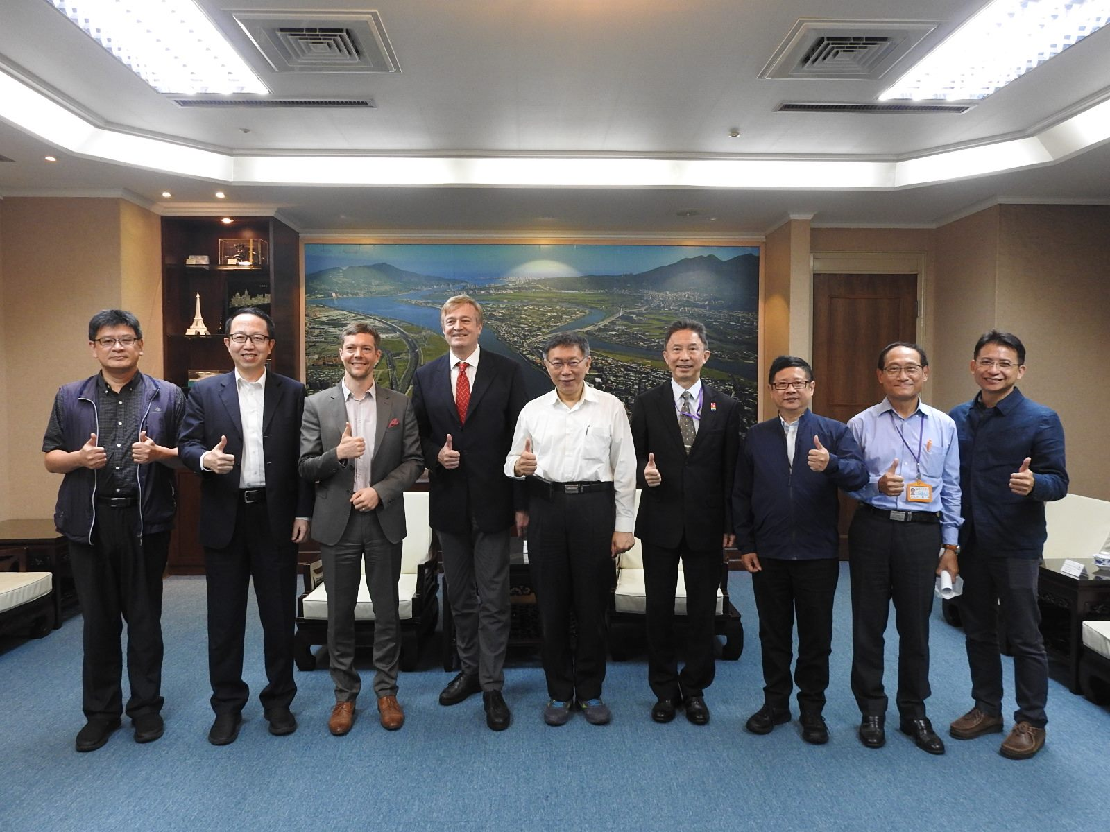 1091016_New Director of Austrian Commercial Office, Hermann Ortner Visited Mayor Ko