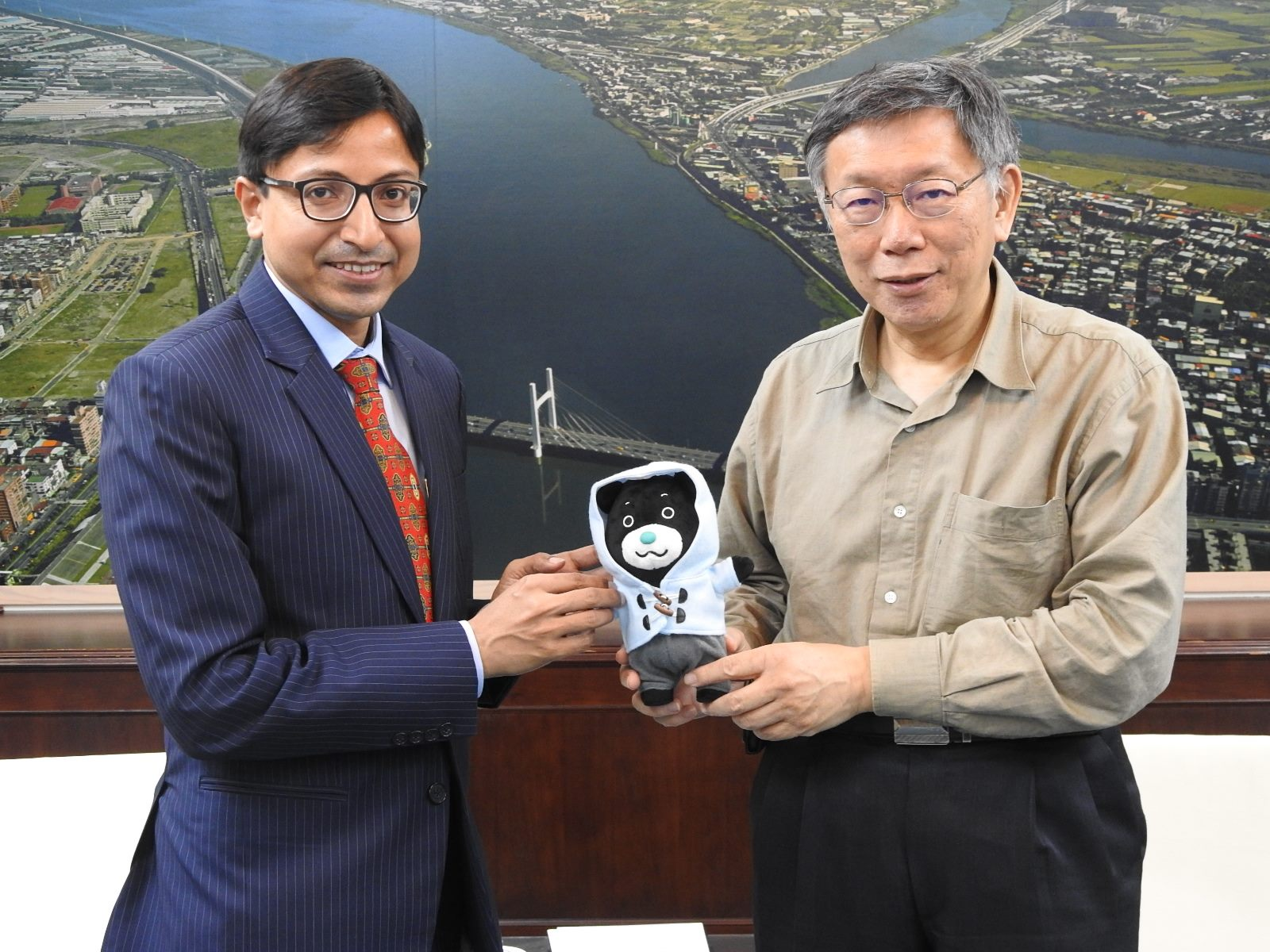 1091104_ Gourangalal Das, Director General of India-Taipei Association Visited Mayor Ko