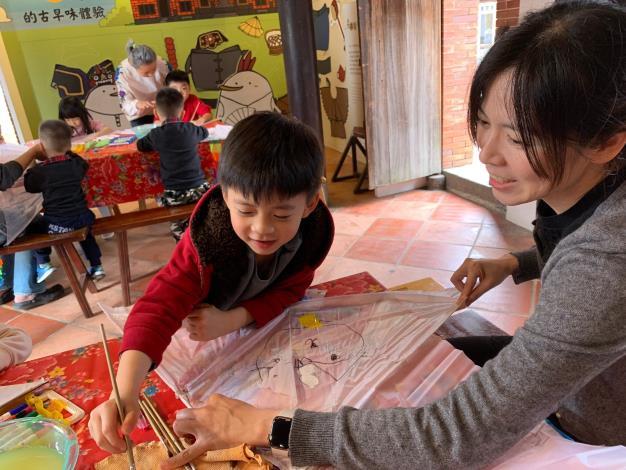 親子互動彩繪風箏