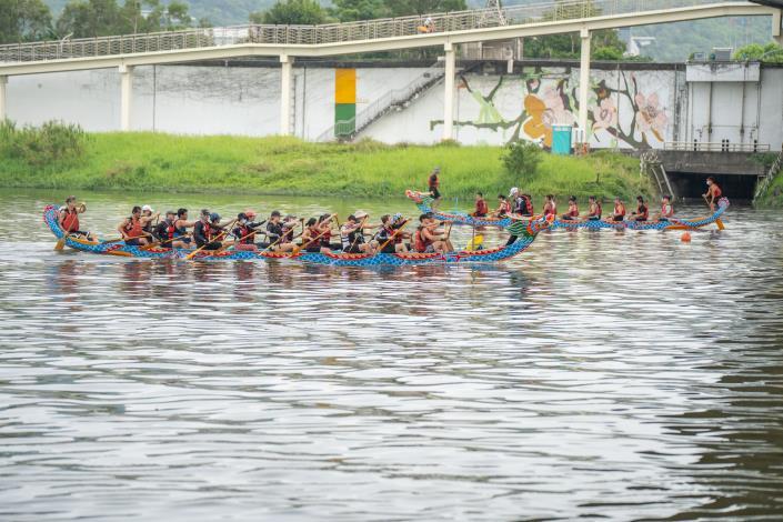 大佳河濱公園龍舟碼頭自5月8日至6月9日開放參賽隊伍事前預約前往練習