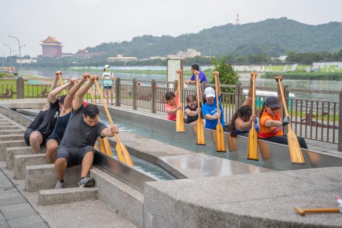 北市提供大直橋下盪槳池使用 讓選手不受天候及水流影響、日夜皆可練習