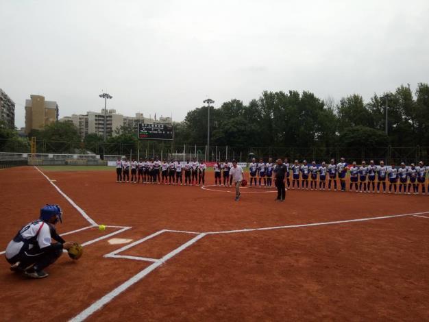 企業女子壘球聯賽臺北站開幕