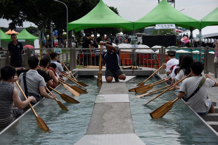 31大家來划船-盪槳池體驗[開啟新連結]