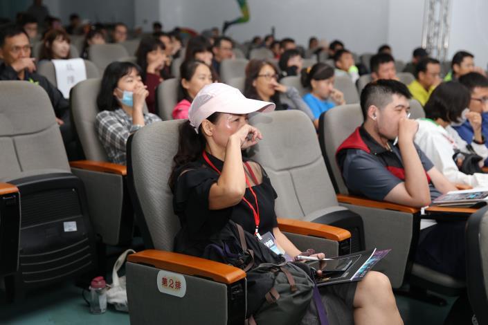 學員們與臺上講師互動