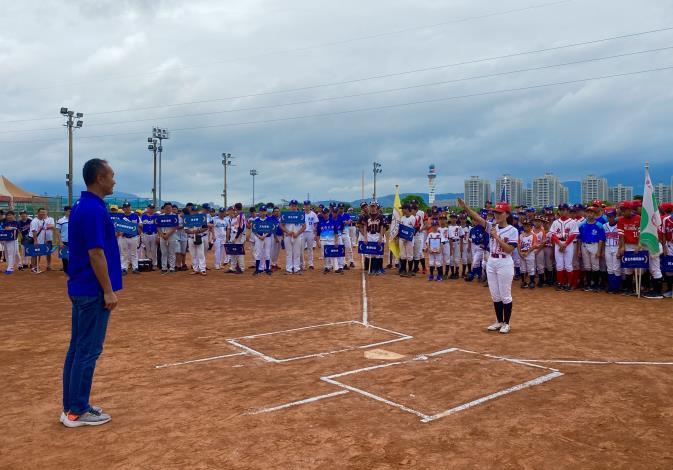 臺灣大學女子棒球隊球員代表進行運動員宣誓