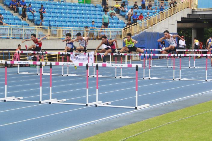 徑賽 -男子組110公尺跨欄.JPG