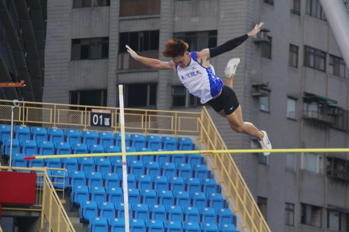 田賽-男子撐竿跳高.JPG