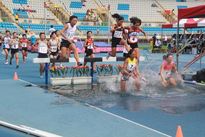 徑賽-女子組3000公尺障礙.JPG