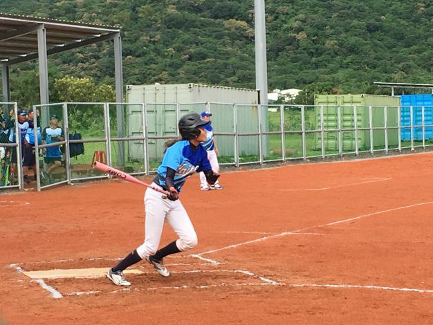 女子慢速壘球,本市代表隊選手打擊