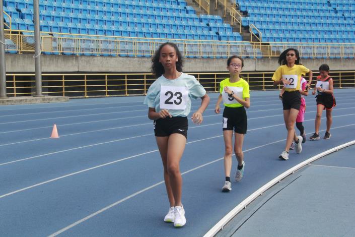 徑賽-女子組3000公尺競走.JPG