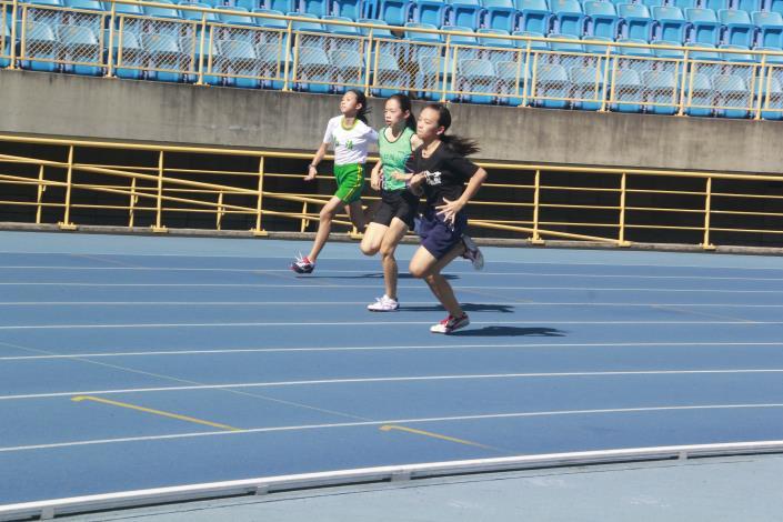 徑賽-女子組200公尺.JPG