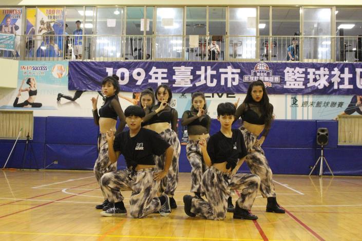 1091108-03-文化大學熱舞社表演
