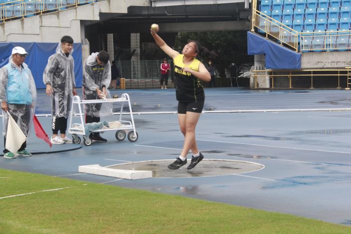 田賽-高中女子鉛球.JPG