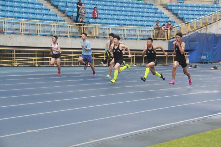 徑賽-國中男子100公尺.JPG