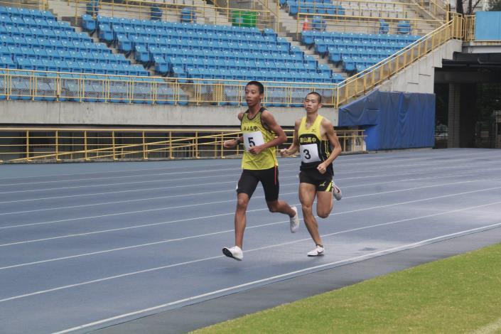 徑賽-高中男子3000公尺 (2).JPG