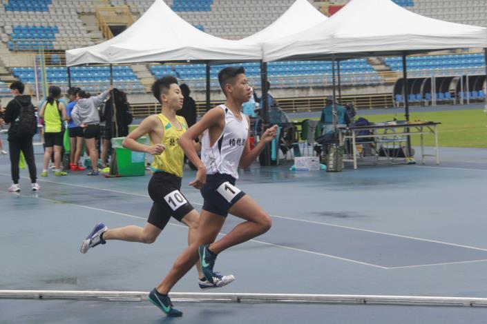 徑賽-國中男子800公尺.JPG