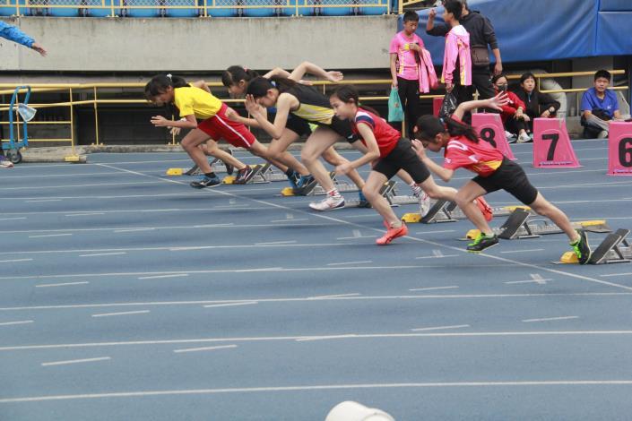 女子組短距離起跑一瞬間.JPG