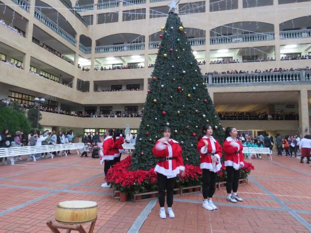 聖誕舞曲表演1.JPG