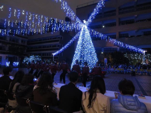 聖誕舞曲表演2.JPG