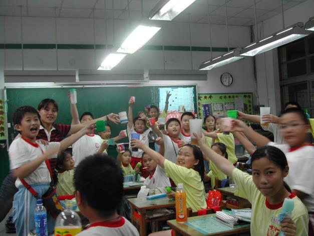 長安國小徐佑琪老師,指導學生參加第21屆全國聽覺障礙國民國語文朗讀全國第1名、參與全國學校經營與教學創新KDP獲得國際認證獎.JPG