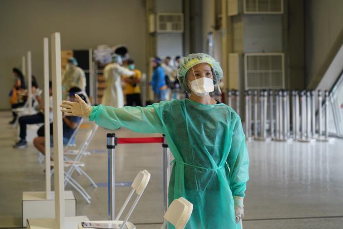 1100722花博大型接種站開始施打COVID-19疫苗