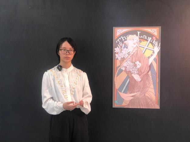啟聰學校黃苡臻同學介紹自己的作品