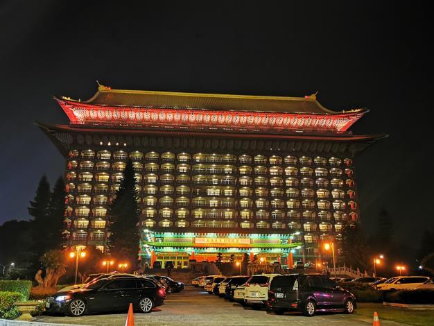 09台灣神社拆除改建成中國北方宮殿式建築的圓山飯店 用來接待外賓