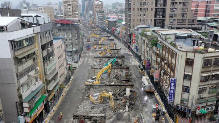 圖5中正橋引道重慶南路高架橋拆除現況-3