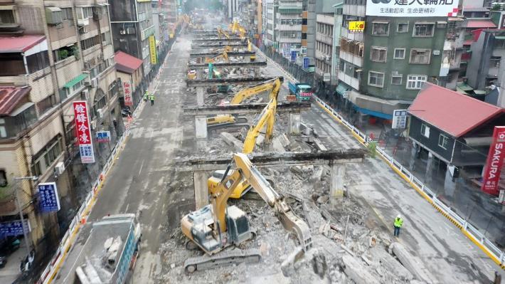圖6中正橋引道重慶南路高架橋拆除現況-4