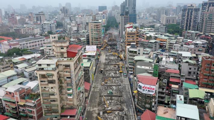 圖8中正橋引道重慶南路高架橋拆除現況-6