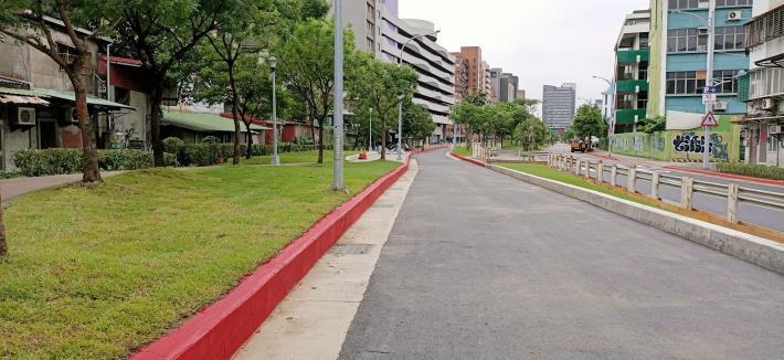 圖7-完工照片5:新闢市民大道6段(近基隆路口)往7段方向