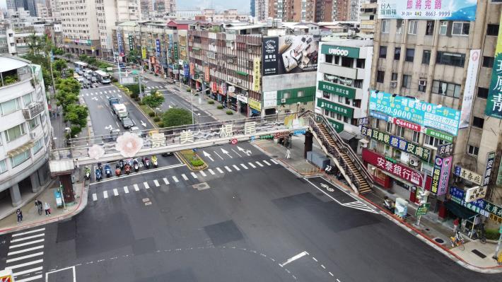 圖2 羅斯興隆人行天橋現況照片