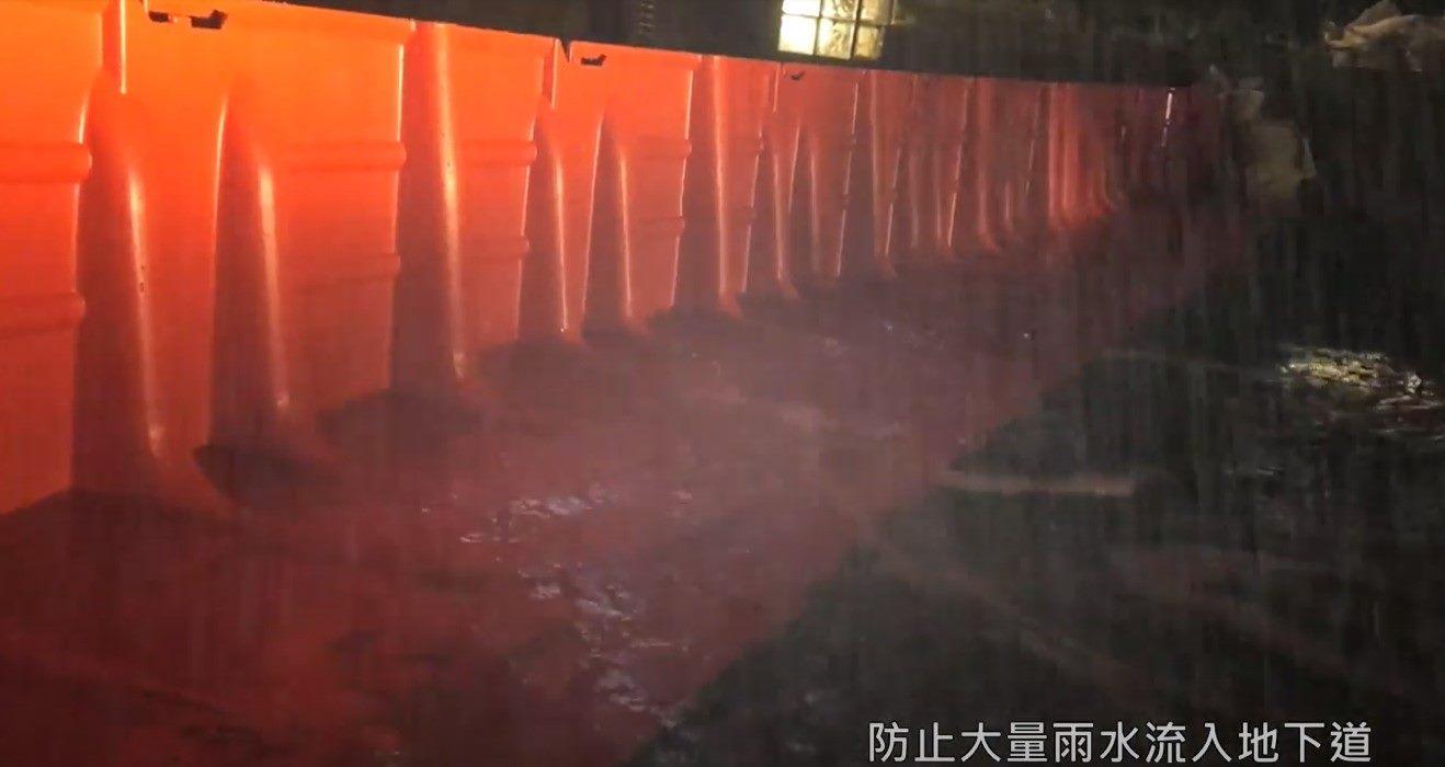圖03-防洪板阻擋洪水效果