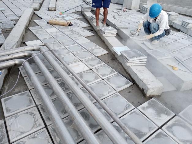 10810-隔熱磚工程施作