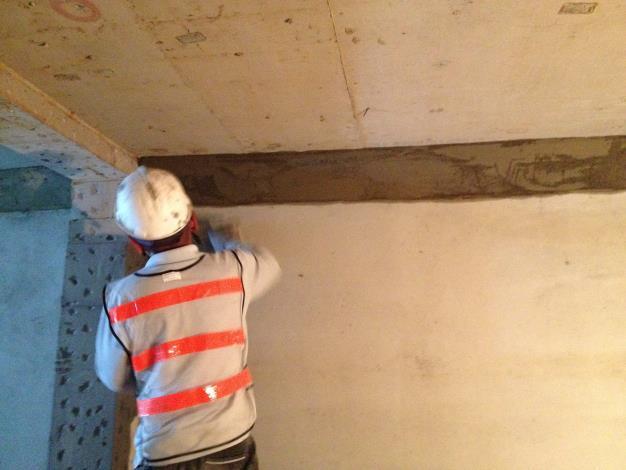 10712BL-227人員出入口內牆粉刷.JPG