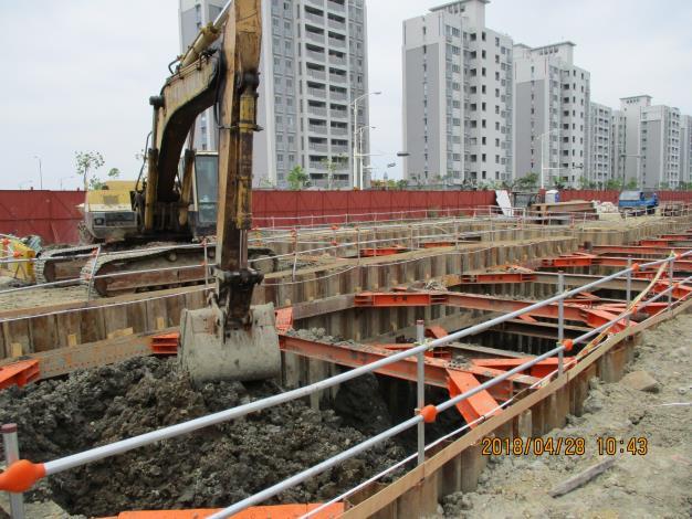 10704共管開挖出土.JPG