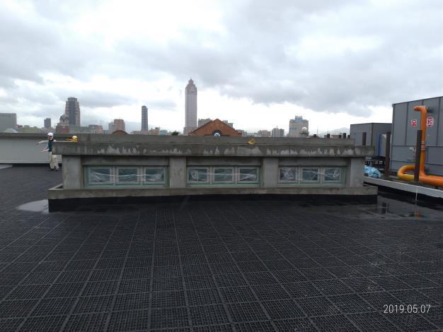 10805-屋頂排水板、天花板、自平泥、磁磚施作
