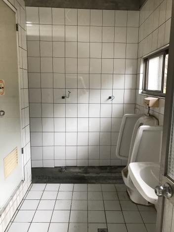 107年6月25日舊環南高架P64廁所磁磚復原.JPG